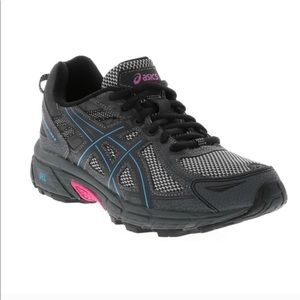Shoes - ASICS gel venture running shoes